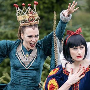 snow white pantomime cast