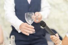 Clinking glass fir speeches